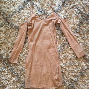 Short fitted no shoulder long sleeve dress